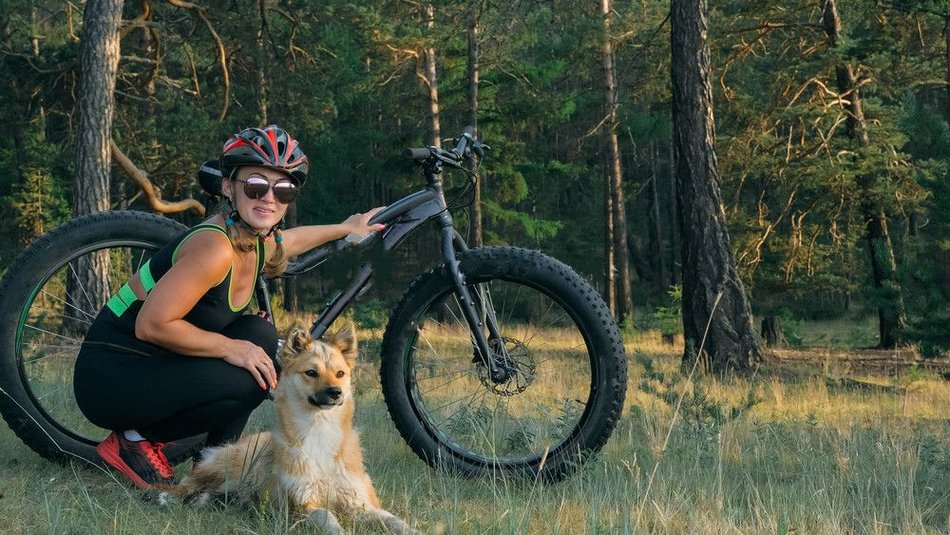 mountain bike with dog