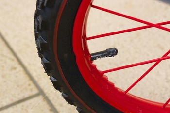 why is lower pressure better for mountain bike tires