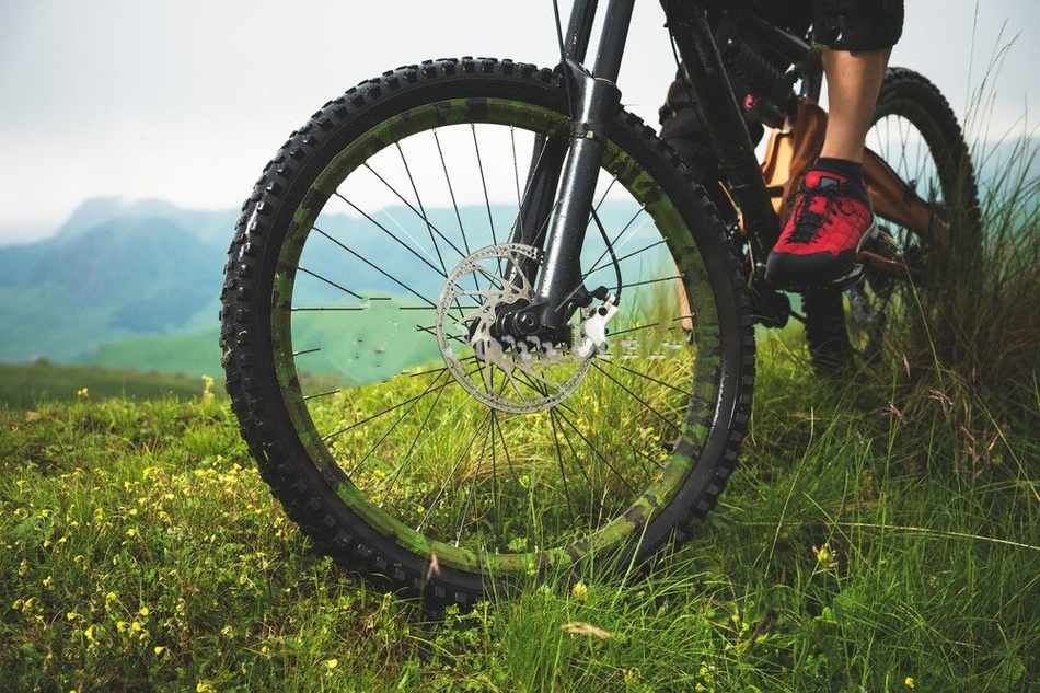 why are mountain bike forks so expensive
