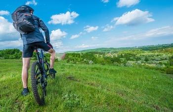 why do mountain bikers wear spandex