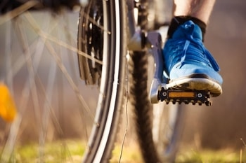 best mountain bike shoes for flats